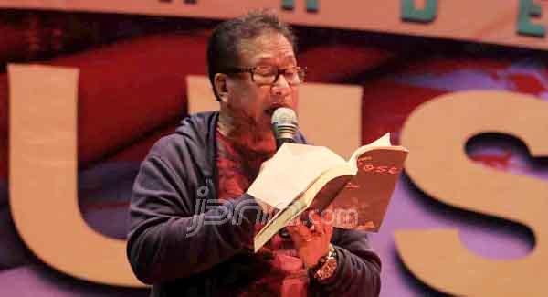 'Nasionalkan' Hari Puisi, Bentuk Yayasan